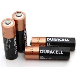 24 x piles AA alcalines Duracell Format familial